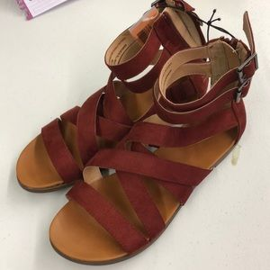 New rust/red sandals